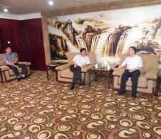 商务部对外援助司副司长王奎礼